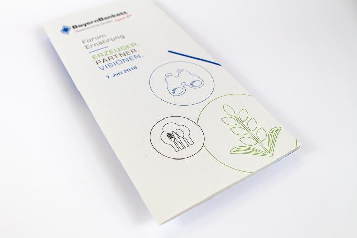 Gestaltung-Druck-Naturpapier-Wickelfalz-Flyer-Broschuere